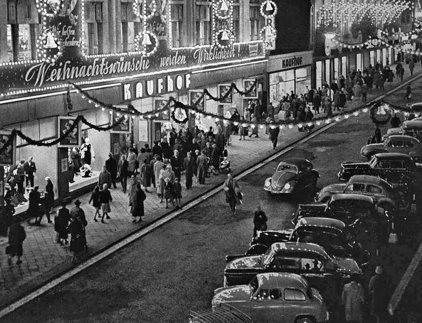 Weihnachten 1960 auf der Alleestraße. Foto: Klaus Lehnartz
