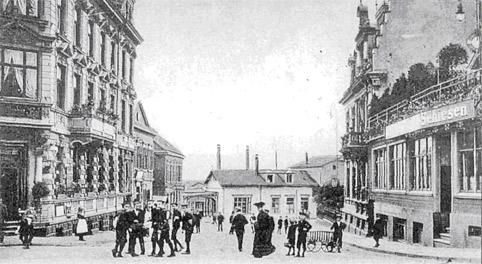 Recht unscheinbar wirkt Remscheids erster Bahnhof (Bildmitte), zurecht im Volksmund 'Zigarrenkiste' genannt.