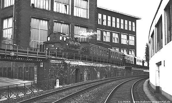 Als Personenzüge noch zum Hasten fuhren. Foto: BD Wuppertal, Sammlung Joachim Bügel