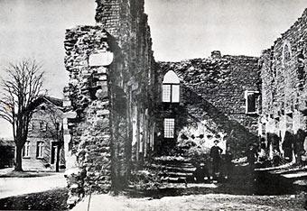 Viele Jahre wr Schloß Burg nur noch eine Ruine.