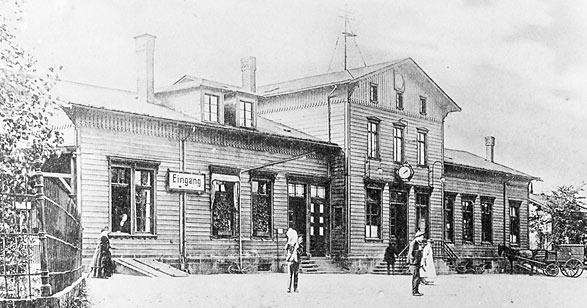 Lenneps erster Bahnhof war noch aus Holz.