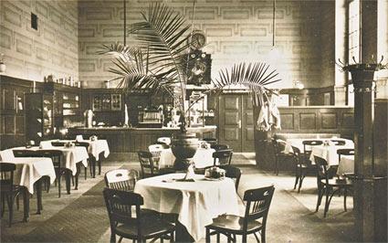 Die einstige Bahnhofsgaststätte ähnelte einem Palmengarten.