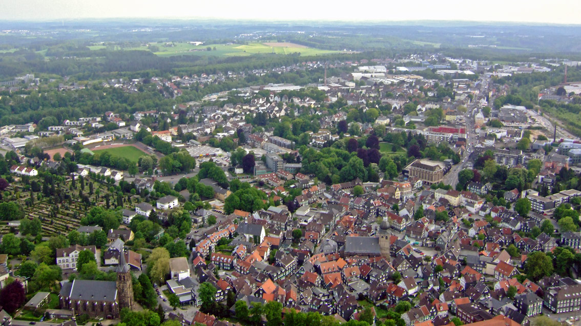 Aktuelles Luftbild von der alten Kreisstadt Lennep   Waterbölles
