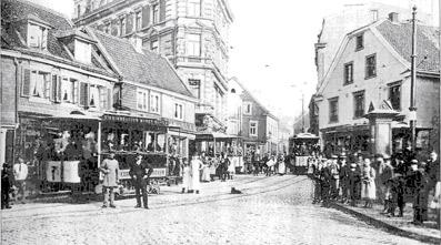 """Auf der """"Hesseninsel"""" am Markt trafen sich Arbeitsuchende ...  Auf der """"H..."""