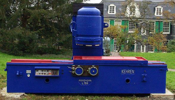 Das blaue Objekt im Museumspark des Deutschen Werkzeugmuseums. Foto: Lothar Kaiser