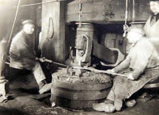 """Juli 1936 im """"August-Hermann-Hammer"""", später wieder Juppenhammer genannt. Foto: Frau Steffens, Goldenberg, HIZ Remscheid"""