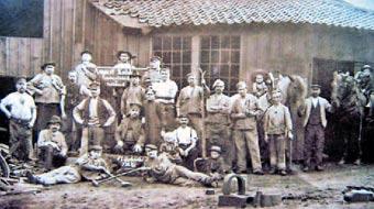 Kuhlers Ambosshammer, Belegschaft 1906. Repro: G. Schmidt