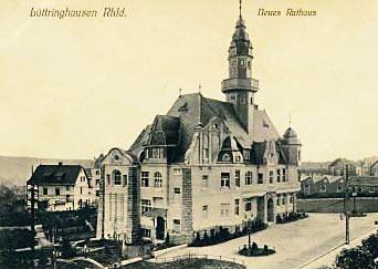 Das von Arthur Schmidt erbaute Lüttringhauser Rathaus auf einer Postkarte von 1908