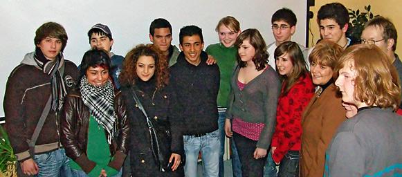 Der neue Remscheider Jugendrat kurz nach Bekanntgabe der Wahlergebnisse. Foto(M): Lothar Kaiser