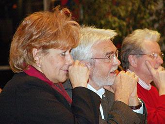 Beate Wilding und der SPD-Fraktionsvorsitzende Hans Peter Meinecke kurz vor der Abstimmung. Foto: Lothar Kaiser