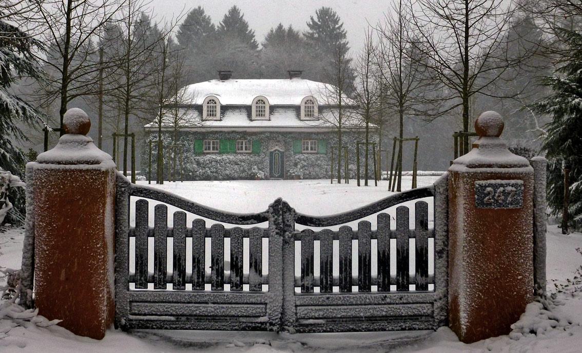 Waagerecht fliegt der Schnee über Remscheid   Waterbölles  Waagerecht flie...