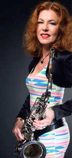 Bettina Schmuck, Saxophonistin.